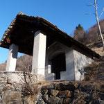Sul sentiero per l'Alpe Nara