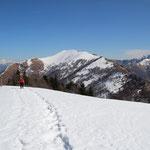 Monte Paglione 1554 m al centro della foto il Monte Gambarogno con la cresta che abbiamo seguito