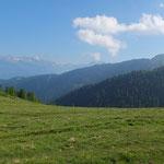 La Cresta del Stabi con l'Alpe Girso in fondo a sinistra