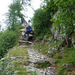 Sentiero per l'Alp di Agnon