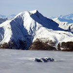Monte Tamaro e Cima di Medeglia che spunta dalla nebbia
