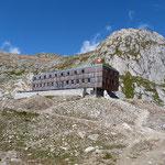 Capanna Cristallina 2568 m