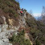 Belle le scalinate sul sentiero per Selna