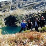 Luciano, Adri, Chico e io sopra il Lago di Trescolmen 2025 m