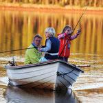 Neffe, Nichte und Schwiegervater in voller Fahrt am Luleälven