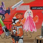 Kindheit kann nicht warten (2021, Mixed Media auf Pappe, ca. 21x15 cm)
