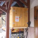 für Notfälle: der Selbstbedienungskasten an der Haustür vom Wohnhaus