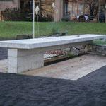 Ortsbetongartentisch - In diesem Garten durften wir einen Tisch erstellen, den bestimmt niemand umstellt. Masse ca. 8.00 x 1.00 meter
