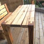 Gartentisch aus Eiche mit Schwalbenschwanzverbindung