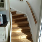 Küchentreppe mit Handlauf von unten