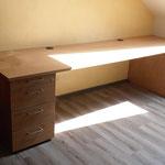 Schreibtisch für Büro