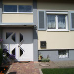 Fenster mit Haustür