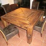 Esszimmertisch aus Eiche rustikal