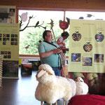 Kuno Kress hält im Naturpark-Zentrum seine Schäfchen zusammen