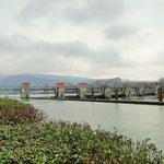 """Das Stauwehr """"Wieblingen"""" am Beginn des Neckar-Seiten-Kanals in Heidelberg"""