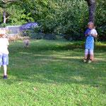 Stöckchen werfen - ein Spaß für Vier- und Zweibeiner
