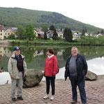 Treff um acht:  Alles klar am Neckar...