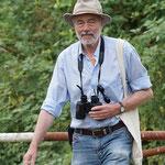 Ein Vogelbeobachter (Foto: Roland Merger)
