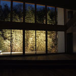 竹林を借景に、幻想的な空間に住む