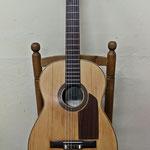 Guitarra construida por Vicente Sanchís Badía en los últimos años de la década de los 60.