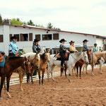 Aufreihung der Teilnehmer der Disziplin Novice Amateur Western Horsemanship