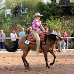 Amateur / Open Reining Teilnehmerin Martina Breunig auf Flashys Little Jona