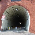 横須賀辺りは山と谷の連続であちこちに隧道がある