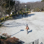 13:40 第2目的地の塚山公園広場に到着