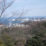 13:15 こちらは隣の横須賀本港。この間、十三峠の小1時間の上りがキツイです。