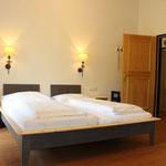 Schlafzimmer 2. OG mit Doppelcouch