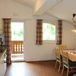 Chalet Rehlein Küche 2. OG mit Esstisch
