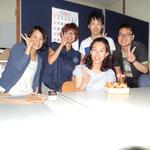 左から磯部さん(河上研)、吉戸さん(鈴木研)、加藤くん(石田研)、藍澤くん(鈴木研)