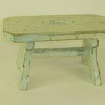 Schemel weiß, 2011, Holzobjekt, 17 x 34 x 17 cm. 45,-€