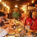 Ein liebevoll dekorierter Tisch bei Horst und Mary und ein super Döppekuchen. Lecker