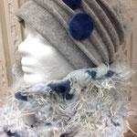 Zottel blau, mütze mit 5 Falten, Mütze 37,00 € Schal 36,00 €