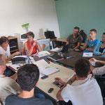 Une réunion entre le bureau et les coachs