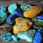 Turquoise, lapis lazuli, ambre