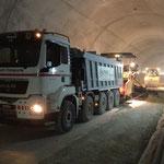 Abschieber im Büttenbergtunnel Kieseinbau April 13