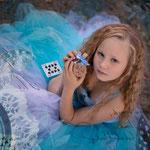 Alice im Wunderland, Fantasyshooting, inszenierte Fotografie, Kinderfoto, verkleiden, Fasching, Kostüm, Fantasy, Märchen