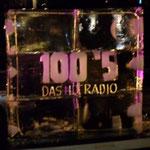 100`5 Das Hitradio - Logo ; gesägt, geschnitzt, gefräst