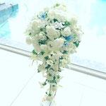 キャスケードブーケ 花ひろ ウェディング オシャレ 新婦 福井 花屋 結婚式 ブライダル 挙式 披露宴