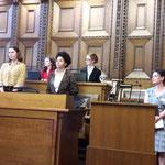*  Frau 2021 - die jungen Grossrätinnen (über 50% Frauen im Parlament!) und ihre Wünsche an die Politik