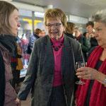 Esther Roth, Ursula Nakamura und Dr. Ursa Krattiger