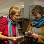 Ursula Nakamura freut sich über den Besuch von Martine Gagnebin, Präsidentin von SVF-ADF suisse.