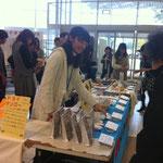 各大学のまちチョコ全種類とPEPUPのドライマンゴーも売りました!