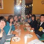 5月ミーティングで遅くなったので、みんなで晩御飯に行きました。