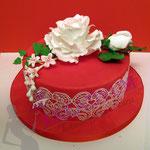 Fondant Torte mit Zuckerrose und Sugar Veil
