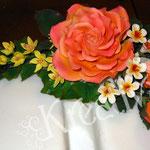 Wie mache ich ein Gesteck aus Zuckerblüten - Rose aus Blütenpaste