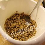 Himbeer-Amicelli-Torte - Löffelbiskuit krümmeln