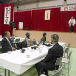 参加者 瀧口会長夫妻、内山副会長 林副会長
